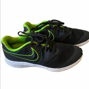 Nike black sneakers for youth, size 5.5